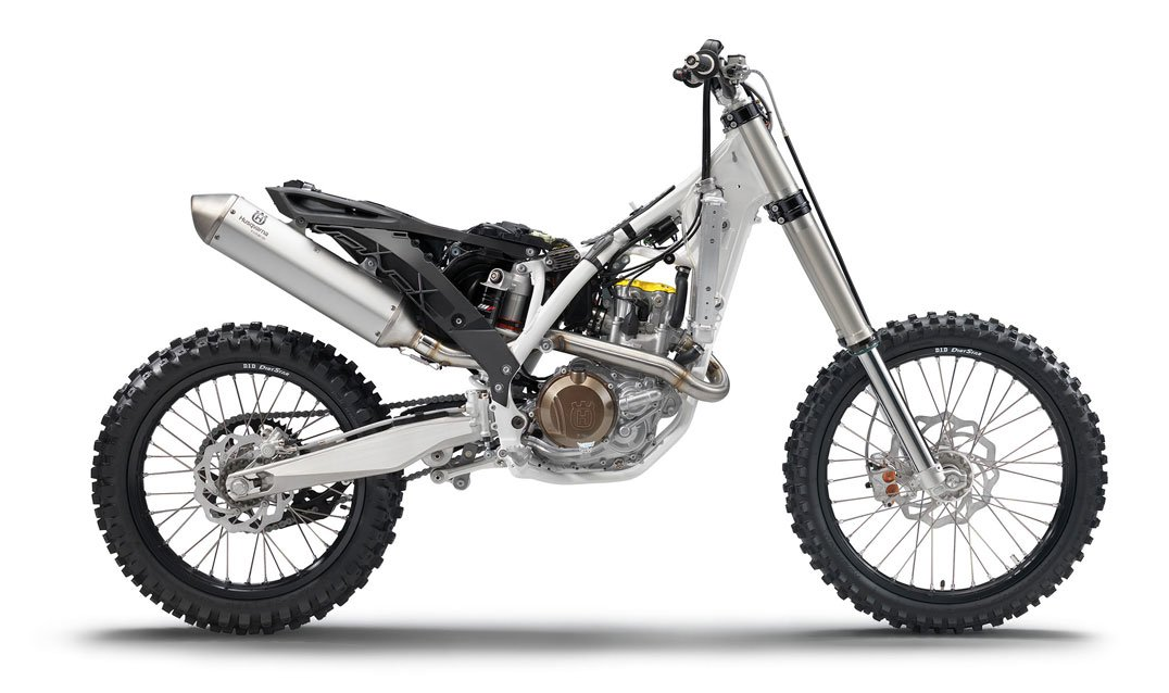 A naked dirtbike in all its glory