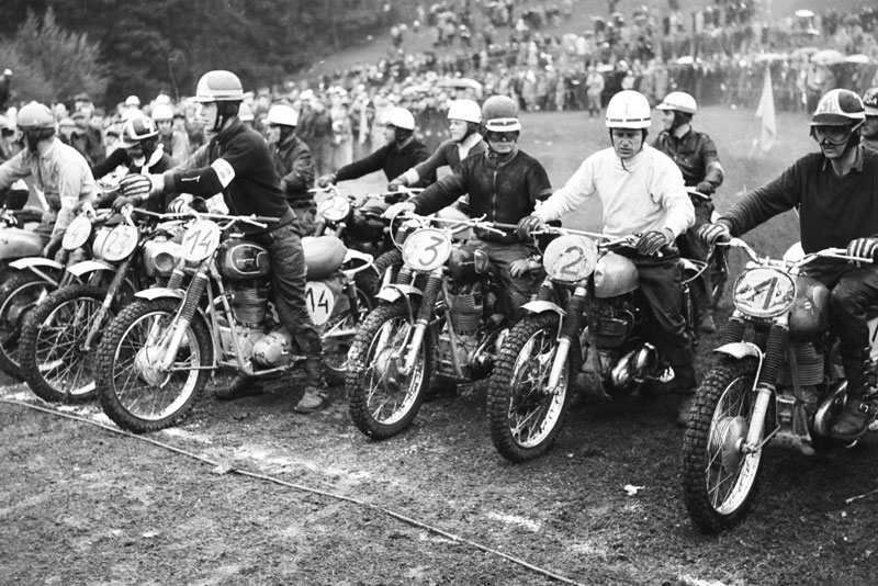 Two-strokes and four-strokes back in the day