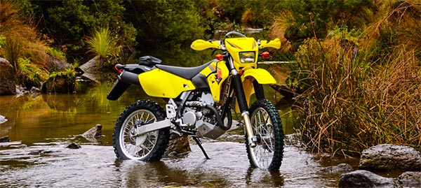 honda xr400 vs suzuki drz400 which is better. Black Bedroom Furniture Sets. Home Design Ideas