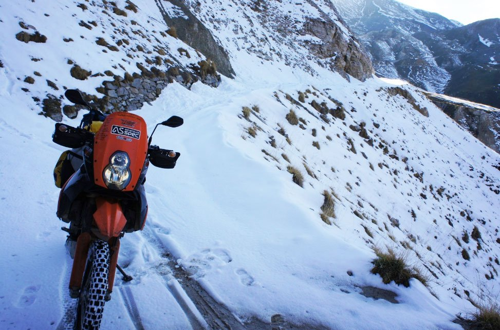 KTM 690 in the snow